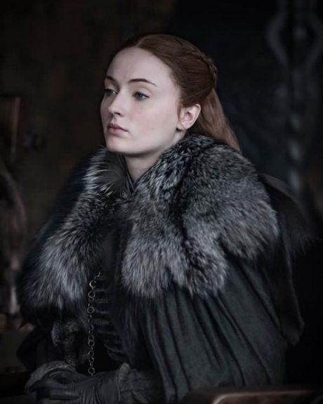 Sophie Turner jako Sansa Stark v seriálu Hra o trůny