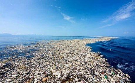 Záběr z Velké tichomořské odpadkové skvrny