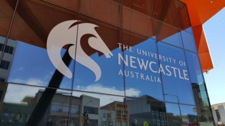 University of Newcastle v Austrálii