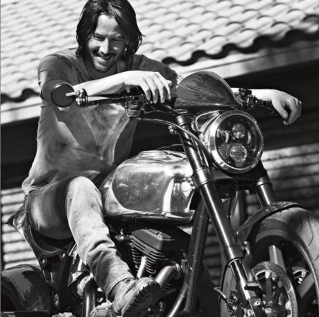 Keanu Reeves je obrovským milovníkem motocyklů