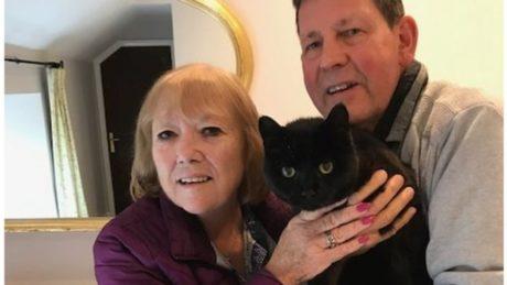 Mel a Rob Sargeant s kočkou Clyde