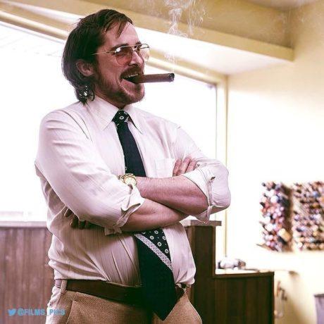 Christian Bale ve filmu Špinavý trik