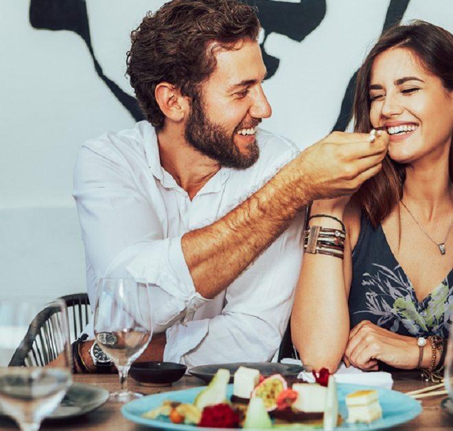 první rande z roku web do 5sos připojit s fanoušky