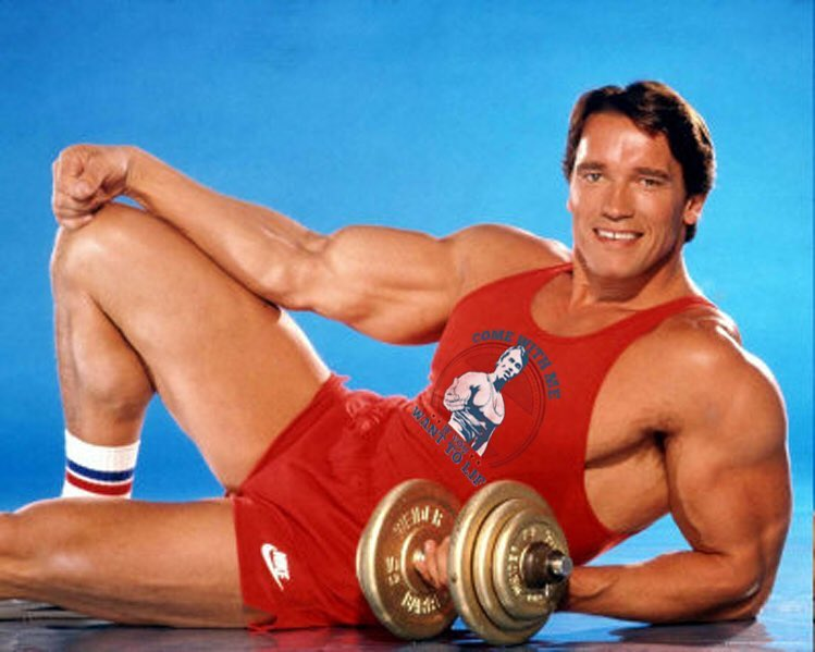 Arnold Schwarzenegger sdílel tipy, jak se udržet v kondici i v pohodlí  domova | Frekvence 1