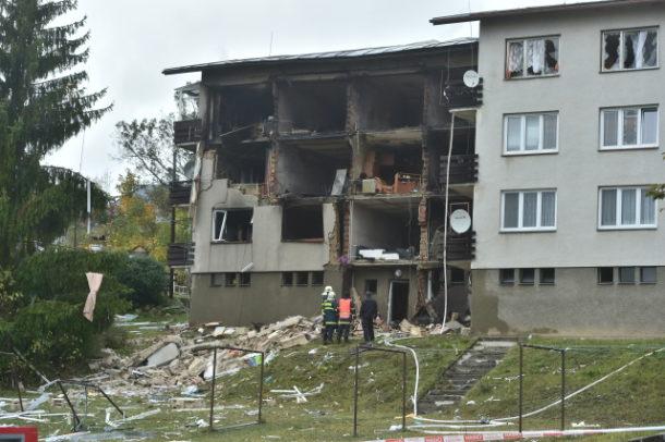 V Lenoře na Prachaticku vybuchl ráno 3. října 2019 plyn v bytovém domě. Jeden člověk přišel o život, policie ho nalezla na místě výbuchu. Dva muži jsou těžce popáleni a dalších sedm lidí je lehce zraněno. Hasiči evakuovali z domu 19 lidí.