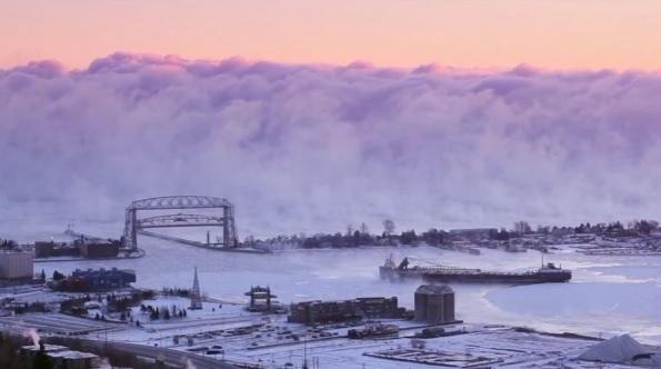 Mlha nad americkým přístavem
