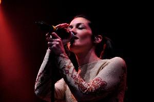 Manda Zamolo, nová zpěvačka kapely Morcheeba