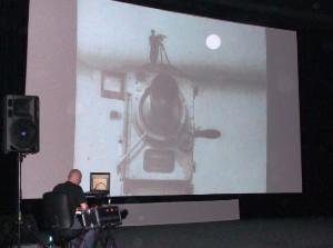 Moimir Papalescu zvučí flm Muž s kinoaparátem