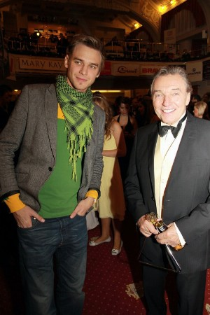 Vojta a Karel na párty po předávání Slavíků. foto: KarelGott.com
