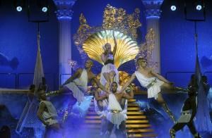 Kylie ve svém pražském chrámu