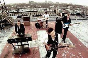 Charlie Straight na střeše v Brooklynu