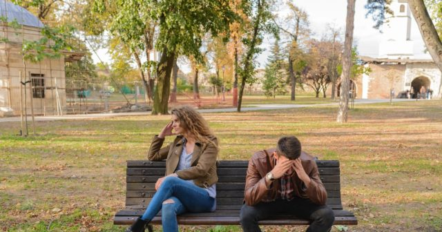 Nedůvěra poškozuje vztah.