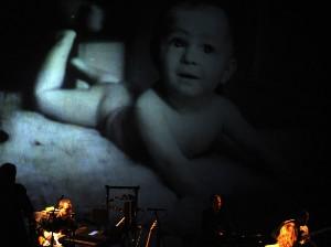 Scéna představení Malý Richard, k němuž Dan Bárta zpíval