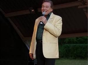 Karel na koncertu v německém Eisenhüttenstadtu. foto: Märkische Oderzeitung